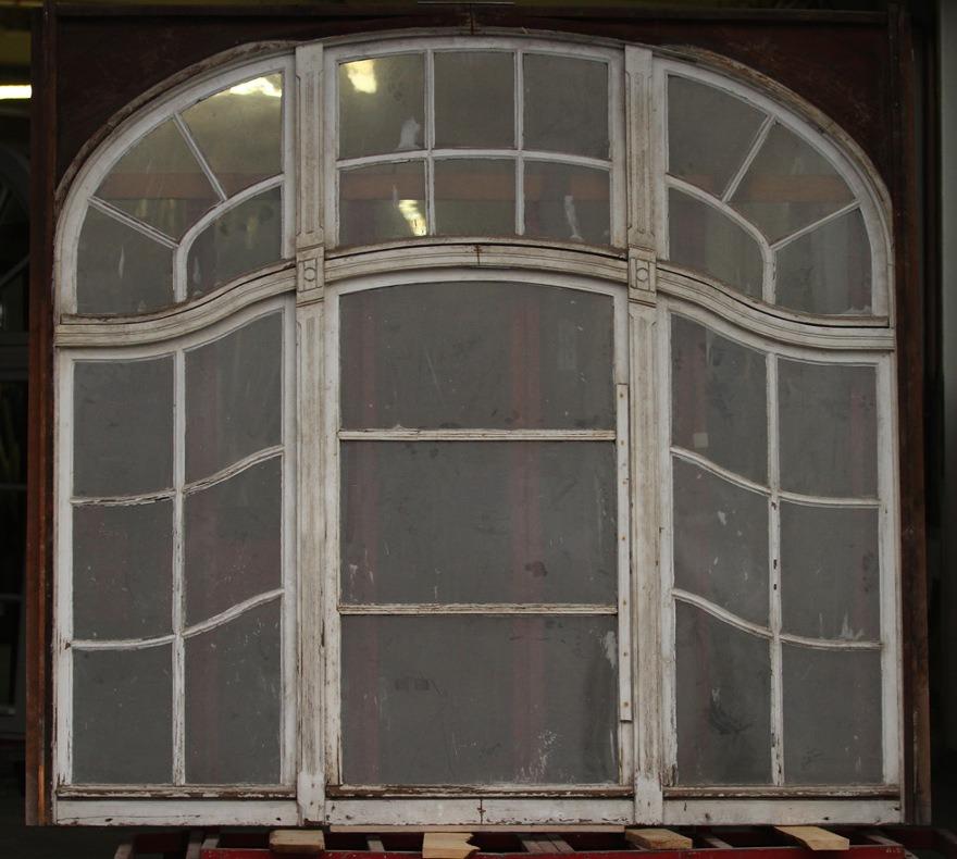 Okno drewniane z kamienicy